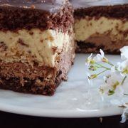 Ciasto czekoladowo-chałwowe