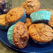 Czekoladowe muffinki z nutellą i śliwkami
