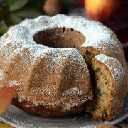 Babka jabłkowo cynamonowa z orzechami