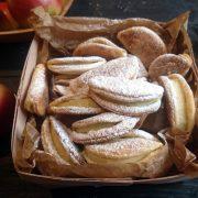 Krucho-drożdżowe ciasteczka z jabłkiem