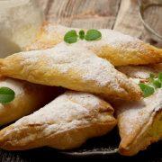 Francuskie trójkąty z serem