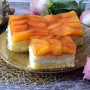 Szybki biszkopt z owocami