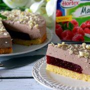 Ciasto z masą czekoladową i malinową wkładką