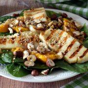 Sałatka z grillowanym halloumi i mango