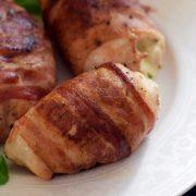 Kurczak w boczku z szynką parmeńską i mozzarellą