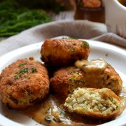 Kotleciki ryżowo-grzybowe z sosem grzybowym