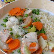 Delikatna potrawka z warzywami i rybą