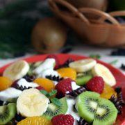 Makaronowa sałatka owocowa