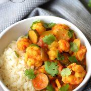 Curry z kalafiorem i cukinią