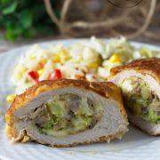 Schab nadziewany brokułem, serem i pieczarkami