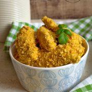 Pieczone kąski kurczaka w płatkach kukurydzianych