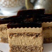 Ciasto kawowo-orzechowe z kawową galaretką