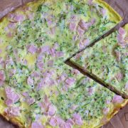 Omlet z szynką i cukinią