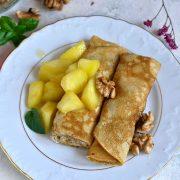 Naleśniki cynamonowe z serkiem i karmelizowanymi jabłkami