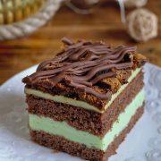 Ciasto na coca-coli z masą budyniową i pierniczkami