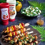 Marynata do mięs, szaszłyki drobiowe w dwóch odsłonach oraz zielona sałatka z fetą, czyli menu na grill party