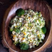 Sałatka brokułowa z makaronem ryżowym