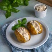Ziemniaki pieczone z pastą serowo-tuńczykową