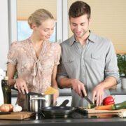 3 sposoby na zaoszczędzenie czasu w kuchni - wyposażenie kuchni Twoim sprzymierzeńcem